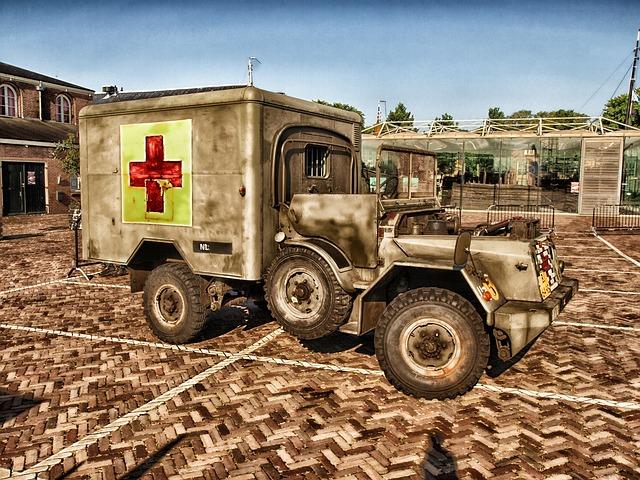 ambulance-168279_640