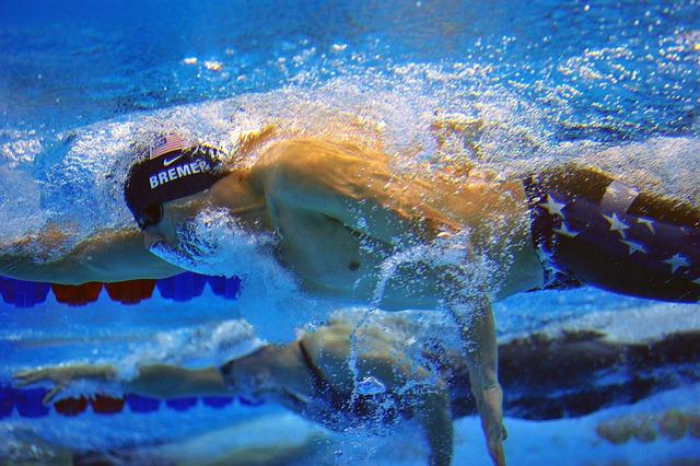 swimmer-640378_640