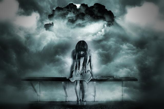 girl-worried-1215261_640