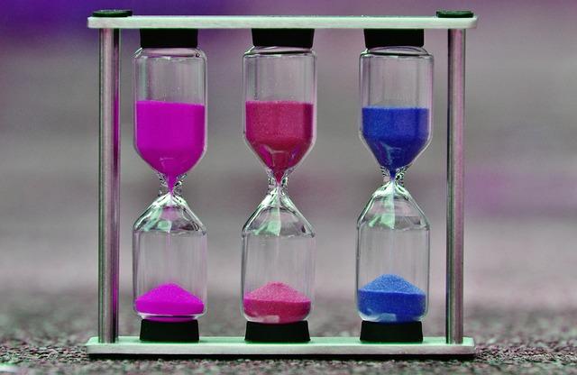 hourglass-1289781_640