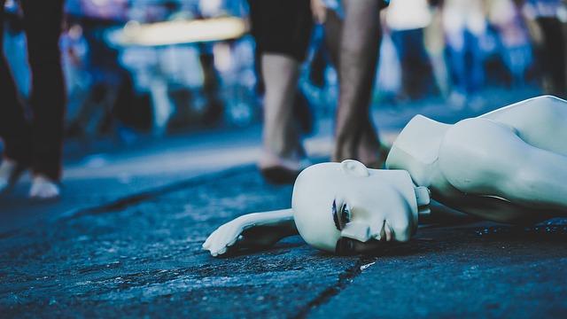 mannequin-1208188_640